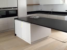 montage plan de travail cuisine poser un plan de travail cuisine meilleur design pose de marbre et