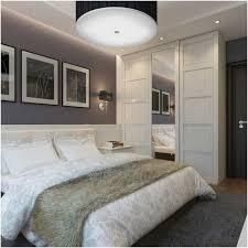 peinture mur chambre coucher peinture murale grise chambre coucher coussins suspension armoire