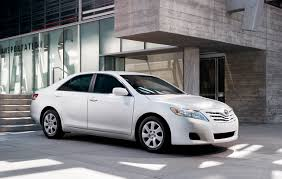 2011 toyota camry le review amarz auto