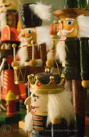 decorating various of soldier nutcrackers for