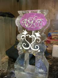 martini shaped cake images in ice performance ice carving
