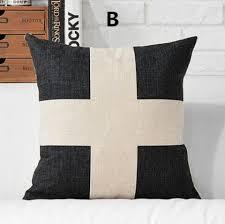 coussins design pour canape lettre d oreiller coussins design canapé noir et blanc pour la