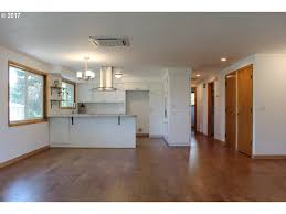 Laminate Flooring Eugene Oregon 2765 Onyx St Eugene Or Golden Realty