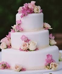 wedding cake flowers wedding cake ideas chagne colour theme wedding cake cake