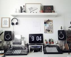 Home Studio In London Native Instruments Maschine Studio Ableton Create Your Own Home Recording Studio