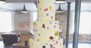 wedding cake nottingham nine nottingham wedding cakes to make you say wow including