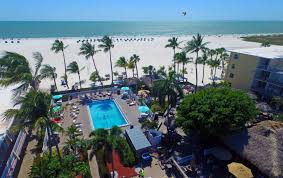 Fort Myers Beach Vacation Homes Pool Or Beach The Choice Is Yours At The Outrigger Beach Resort
