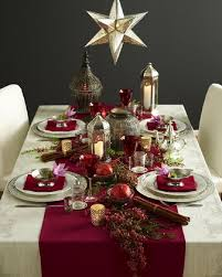 How To Decorate A Dining Room Wall Best 25 Christmas Dinner Tables Ideas On Pinterest Christmas