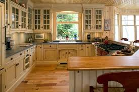 cottage kitchen ideas rental rescue 1000 images about cottage kitchen on eat