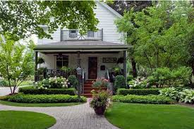 Front Porch Landscaping Ideas by Forget The Traditional Look U2013 Modern Front Yard Landscaping Ideas