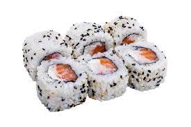 fond blanc en cuisine petits pains de sushi avec les graines de sésame d isolement sur