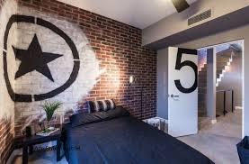 chambre ado industriel chambre ado garcon with chambre ado mur brique s de design d