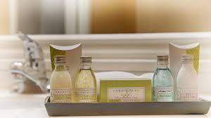 Bathroom Amenities Sherman Oaks Hotel Rooms Best Western Plus Carriage Inn