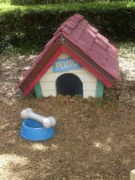 pluto u0027s doghouse mickey u0027s toontown fair picture walt