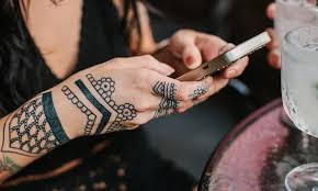 4 things i learned after getting a traditional henna tattoo as an