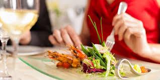 comment am ager cuisine comment bien manger au restaurant magazine féminin vie pratique