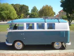 volkswagen minivan 1960 1960 vw splitscreen westfalia camper blue and white classic kombis