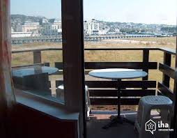 chambre avec deauville location studio dans une marina à deauville iha 20936