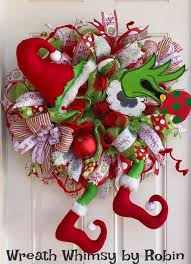 Christmas Outdoor Decoration On Sale by Best 25 Grinch Christmas Decorations Ideas On Pinterest Grinch