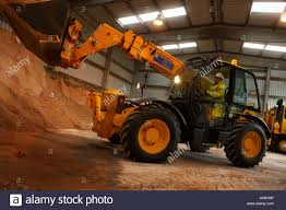 jcb moving earth stock photos u0026 jcb moving earth stock images alamy