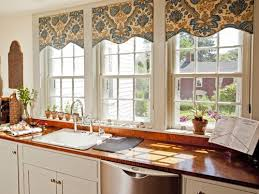 Kitchen Valances by Best 25 Kitchen Window Dressing Ideas Only On Pinterest Long