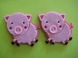 pig felt animal ornaments for farm barn theme pig