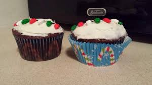 the baking chemist christmas light cupcakes