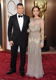 Angelina Jolie Mansion by Angelina Jolie U0027spends 25 Million U0027 On Hollywood Estate Daily