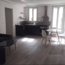 image de cuisine ouverte décoration salon moderne avec cuisine ouverte et revêtement de sol