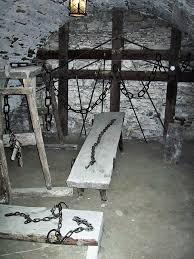 chambre des tortures chambre des tortures 100 images la chambre des tortures amazon