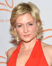 amy carlson hairstyles on blue bloods amy carlson hairstyle makeup dresses shoes and perfume celeb