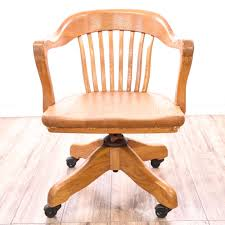 Bankers Chair Cushion This Banker U0027s Chair Is Featured In A Solid Wood With A Glossy