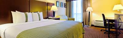 Corpus Christi Furniture Outlet by Restaurants Near Holiday Inn Corpus Christi Arpt U0026 Conv Ctr