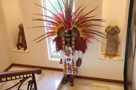 imagenes penachos aztecas abre biblioteca fernando benítez a visitas escolares fundación dr