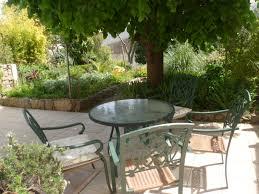 terrasses et jardin location en gite g1495 à fontjoncouse