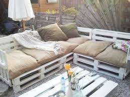 fabriquer canapé d angle en palette aménager jardin avec des meubles en palettes bois