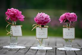 simple table decorations simple wedding centerpieces trellischicago