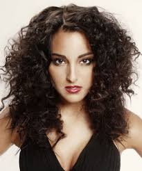 medium length layered hairstyles pinterest layered haircuts for wavy hair medium length curly layered