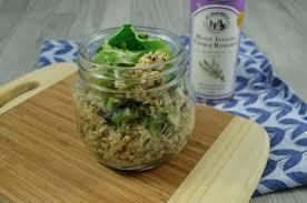 cuisiner les feuilles de chou fleur salade de quinoa aux feuilles de chou fleur et graines de tournesol