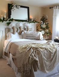 la testata la testata decorare la testata del letto per natale ecco 20 idee a cui