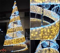 Large Outdoor Metal Christmas Decorations by Giant Outdoor Commercial Lighted Metal Spiral Rope Light Christmas