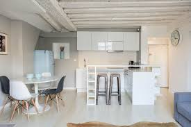 journal femmes cuisine une cuisine ouverte un appartement blanc comme neige journal des