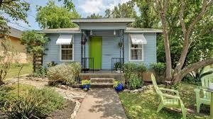 Backyard Cottage by Sweet East Austin Cottage Asks 325k Curbed Austin