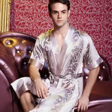 robe de chambre homme en soie un peignoir homme en soie un pyjama des pyjamas