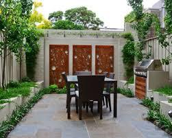 Garden Wall Decor Ideas 1000 Ideas About Patio Wall Decor On Pinterest Patio Wall