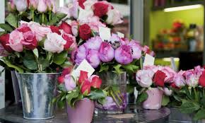 florists online local vs online florists comparing the pros and cons smart tips