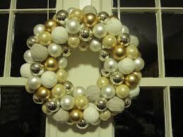 home decor diy christmas decorating ideas stunning ornament wreath