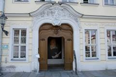 Haus Wasserburg Droht Die Schließung Rhein Zeitung Koblenz Deutsche Geschichte Photos On Flickr Flickr