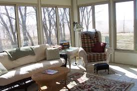 Ideas For Decorating A Sunroom Design Interior Design Small Sunroom Design Green Plant Interior Decor