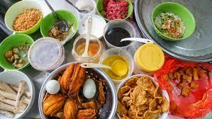 hanoi cuisine food tour in hanoi ian and mar
